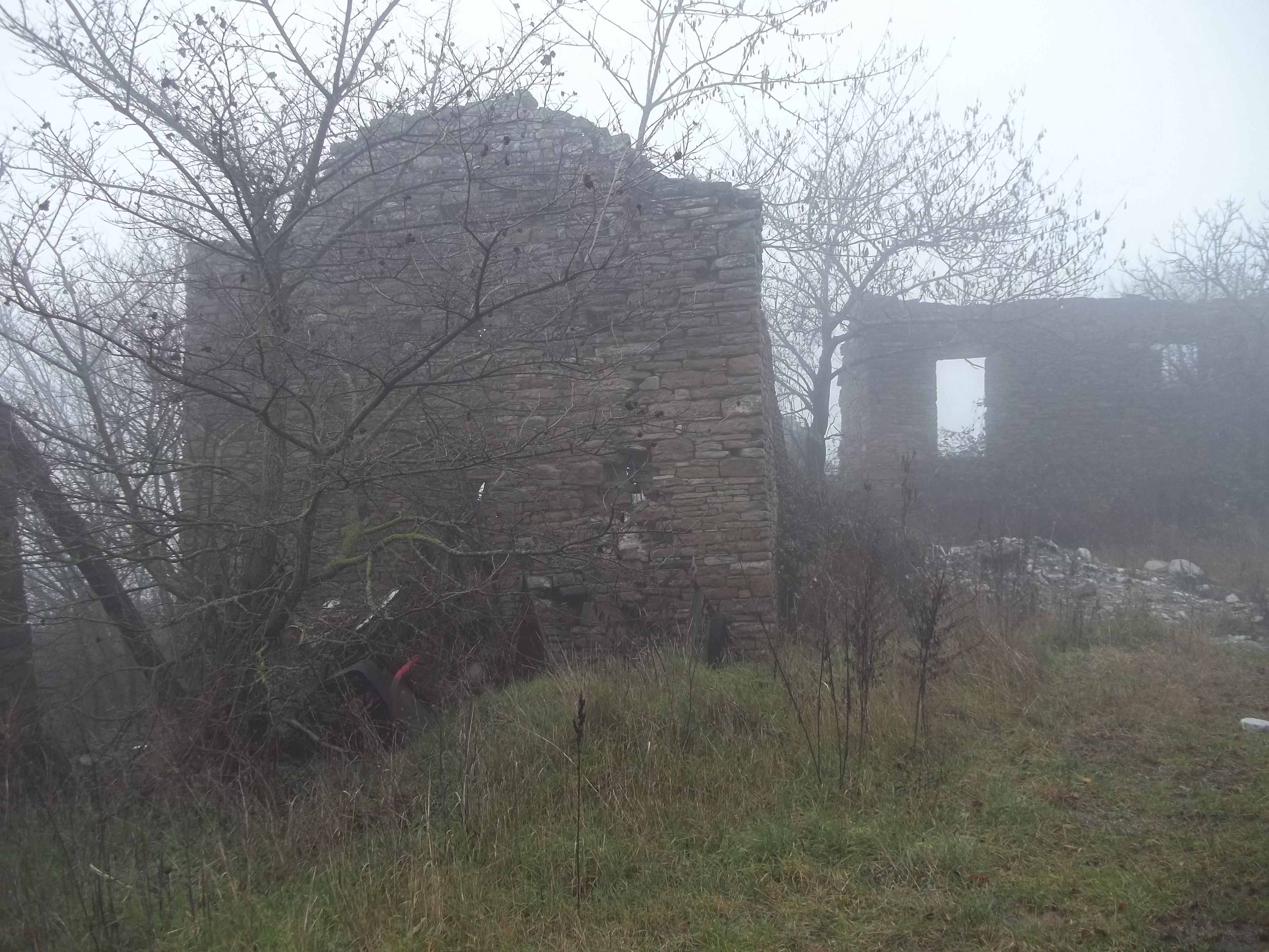 Poesie for Seminterrato di case abbandonate